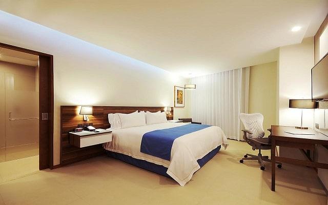 Hotel Holiday Inn Express Puerto Vallarta, habitaciones bien equipadas