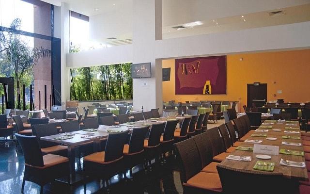 Hotel Holiday Inn México Dalí Aeropuerto, escenario ideal para tus alimentos