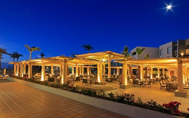 Hotel Holiday Inn Resort Los Cabos All Inclusive, noches inolvidables