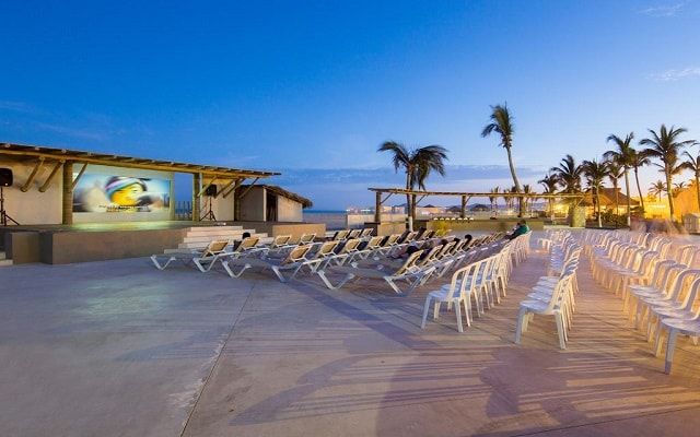Hotel Holiday Inn Resort Los Cabos All Inclusive, teatro