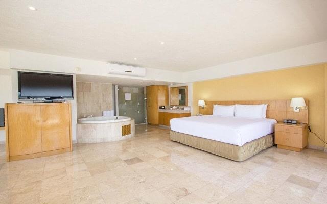 Hotel HS HOTSSON Smart Acapulco, amplias y luminosas habitaciones