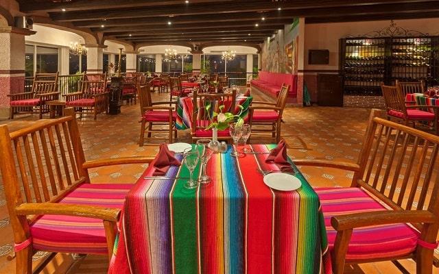 Hotel HS HOTSSON Smart Acapulco, buena propuesta gastronómica