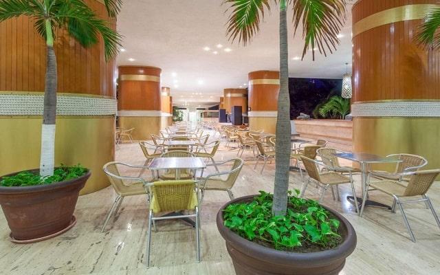Hotel HS HOTSSON Smart Acapulco, atención personalizada desde el inicio de tu estancia