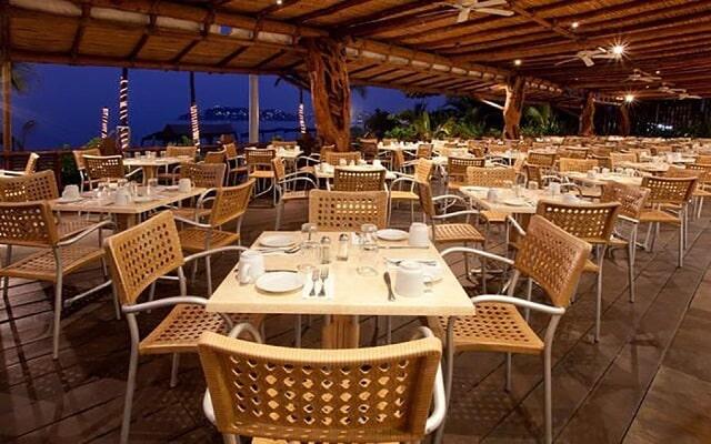 Hotel HS HOTSSON Smart Acapulco, escenario ideal para tus alimentos