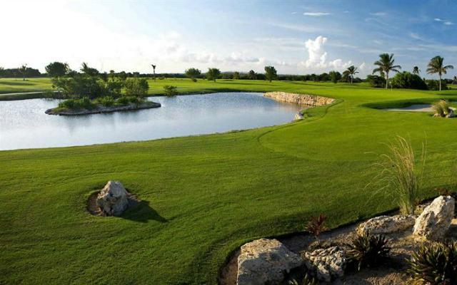Hotel Iberostar Cancún, campo de golf de 18 hoyos