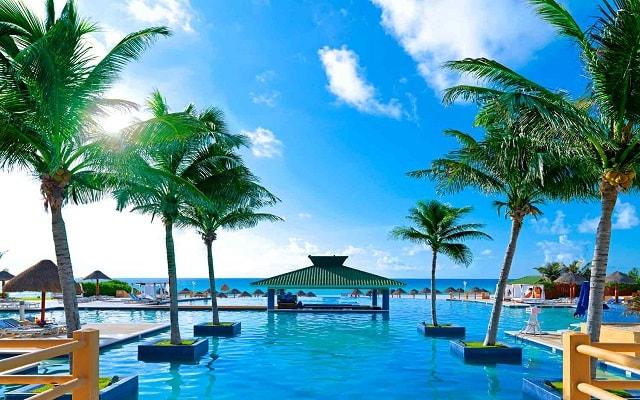 Hotel Iberostar Cancún, alberca infinity