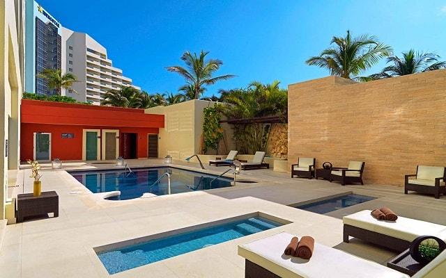 Hotel Iberostar Cancún, relájate en espacios de lujo