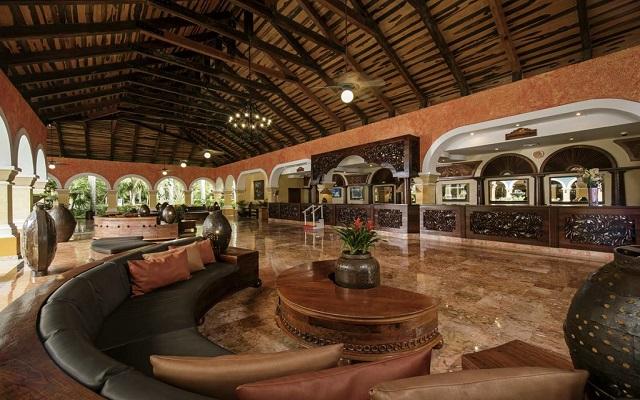 Hotel Iberostar Paraíso Beach, atención personalizada desde el inicio de tu estancia