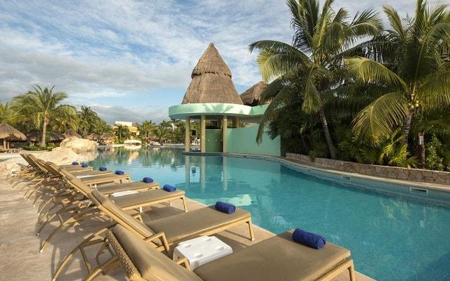 Hotel Iberostar Paraíso Lindo, relájate en sus camastros