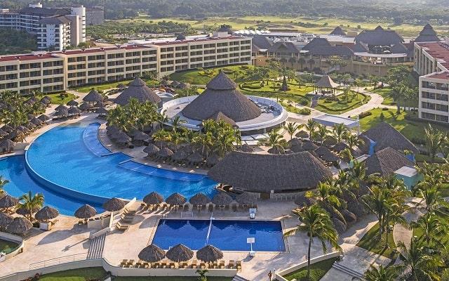 Hotel Iberostar Selection Playa Mita, disfruta de su alberca al aire libre