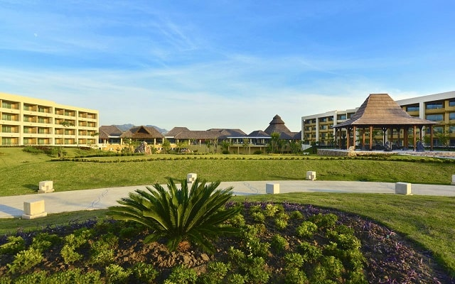 Hotel Iberostar Selection Playa Mita, pasea en el jardín