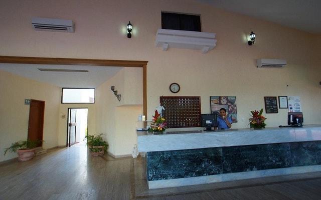 Hotel Imperial Las Perlas, atención personalizada desde el inicio de tu estancia