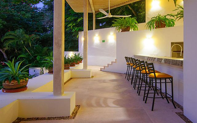 Hotel Ixzi Plus, disfruta una copa en espacios agradables