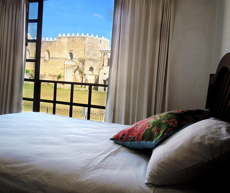 Varias habitaciones cuentan con vistas a algunos de los atractivos turísticos de Izamal