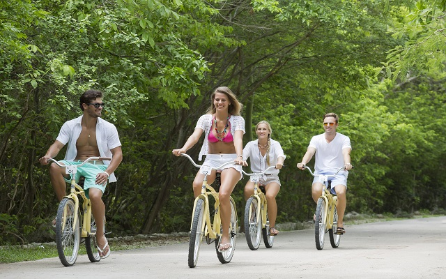 Hotel Kore Tulum Retreat and Spa Resort, pasea en bicicleta por el pueblo