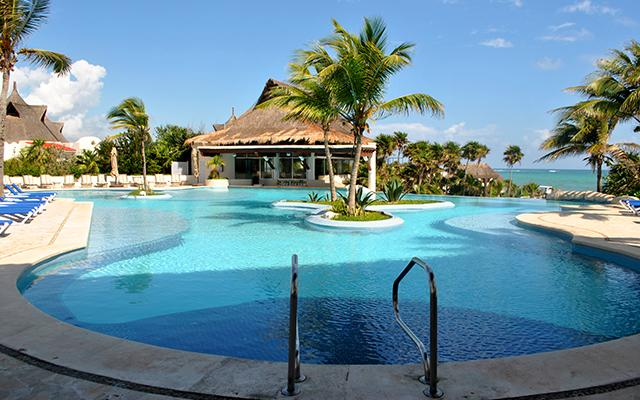 Hotel Kore Tulum Retreat and Spa Resort, disfruta de la alberca al aire libre