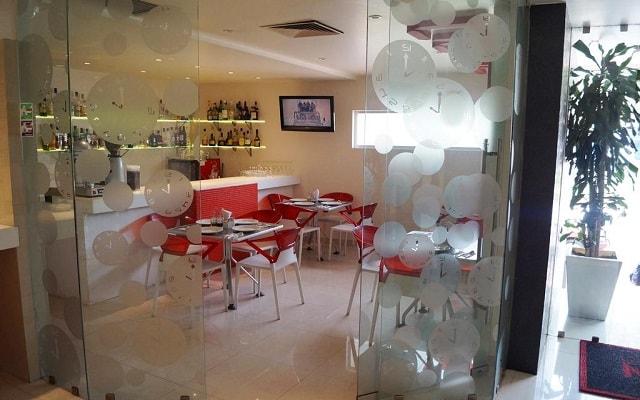 Hotel Kron, restaurante disponible las 24 horas