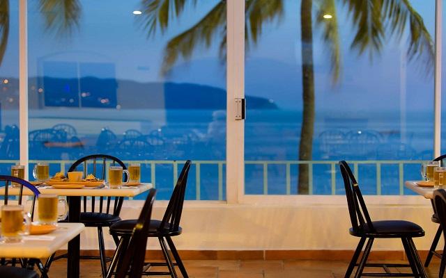 Hotel Krystal Beach Acapulco, Restaurante Bahía