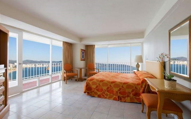 Hotel Krystal Beach Acapulco, habitaciones con hermosas vistas