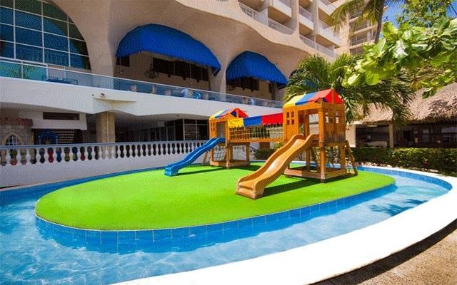 Hotel Krystal Beach Acapulco, espacio de juegos para niños