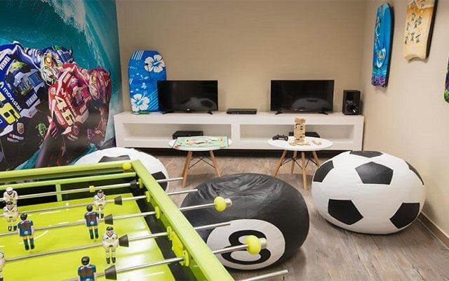 Hotel Krystal Grand Los Cabos All Inclusive, salón de juegos para adolescentes