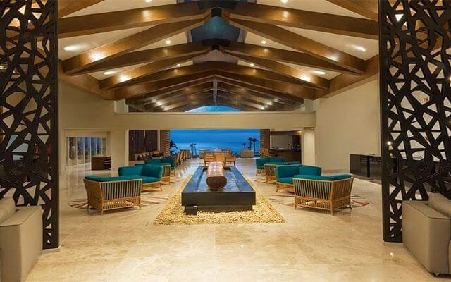 Hotel Krystal Grand Los Cabos All Inclusive, atención personalizada desde el inicio de tu estancia