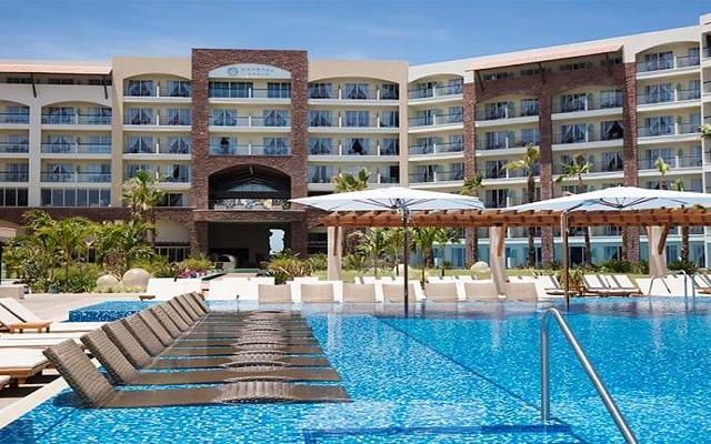 Hotel Krystal Grand Los Cabos All Inclusive, refréscate en la alberca
