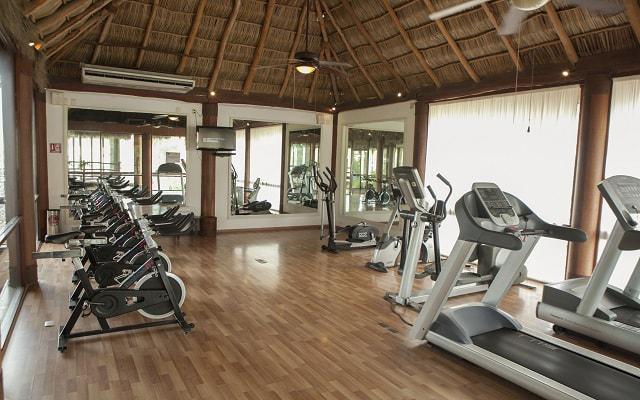 Hotel Krystal Grand Nuevo Vallarta, gimnasio bien equipado