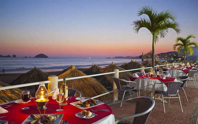 Hotel Krystal Ixtapa, cena bajo un manto de estrellas