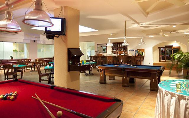 Hotel Krystal Ixtapa, Sports Bar