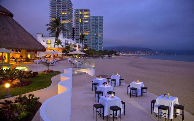Hotel Krystal Puerto Vallarta Beach Resort, tus cenas en ambientes increíbles