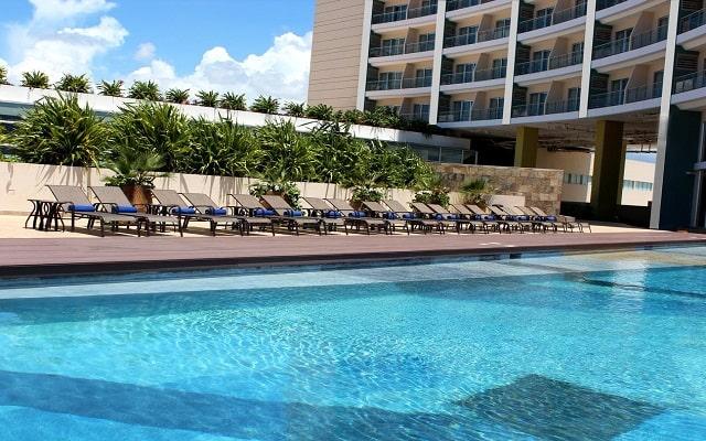 Hotel Krystal Urban Cancún Centro, disfruta de su alberca al aire libre