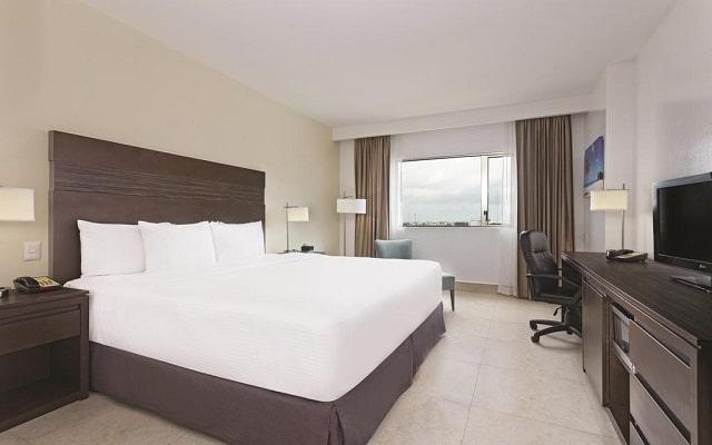 Hotel La Quinta by Wyndham Cancun, amplias y acogedoras habitaciones