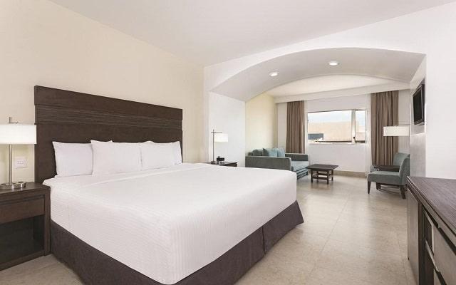 Hotel La Quinta by Wyndham Cancun, habitaciones con todas las comodidades