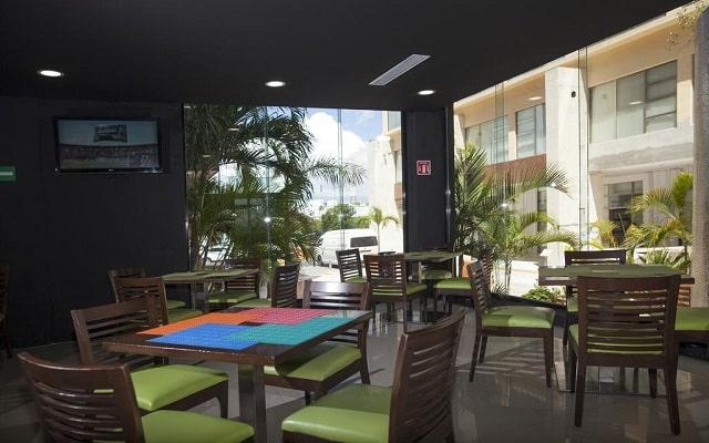 Hotel La Quinta by Wyndham Cancun, lugar apropiado para tomar tus alimentos