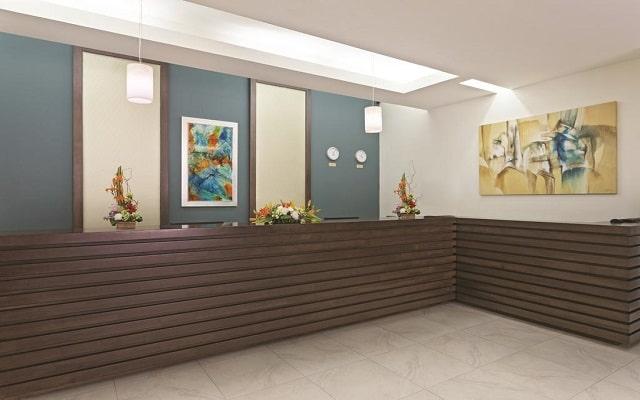 Hotel La Quinta by Wyndham Cancun, recepcion