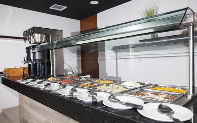 Hotel La Quinta by Wyndham Cancun, variedad de opciones en los alimentos