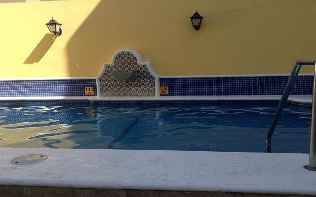 Hotel La Siesta, disfruta de su alberca al aire libre