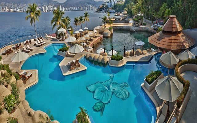 Hotel Las Brisas Acapulco, relájate en la alberca al aire libre