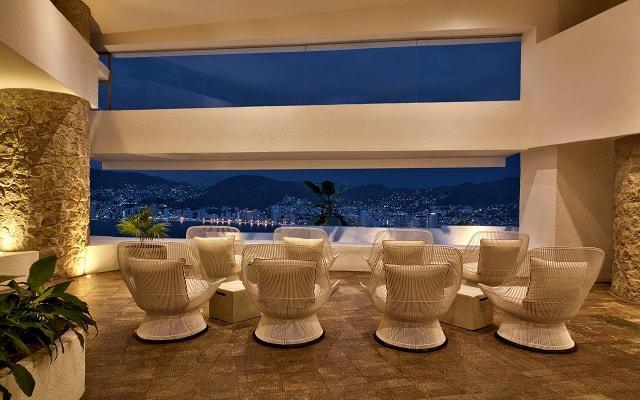 Hotel Las Brisas Acapulco, Bar Bellavista
