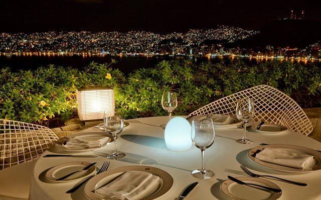Hotel Las Brisas Acapulco, cenas con vistas de la ciudad