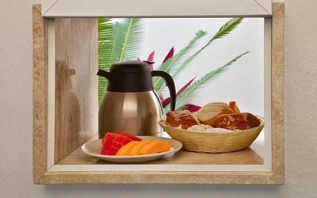 Hotel Las Brisas Acapulco, rico desayuno en cortesía