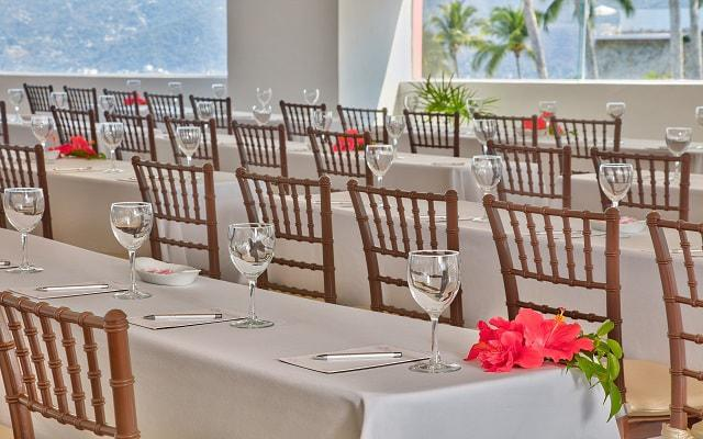 Hotel Las Brisas Acapulco, consulta sobre opciones para realizar tus celebraciones