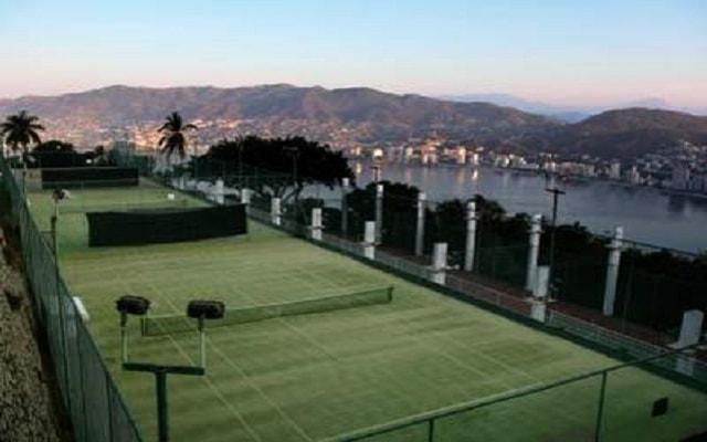 Hotel Las Brisas Acapulco, cancha de tenis