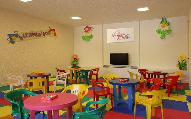 Hotel Las Brisas Ixtapa, cuenta con un club infantil