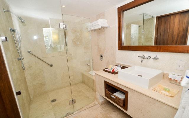 Hotel Las Brisas Ixtapa, amenidades de calidad