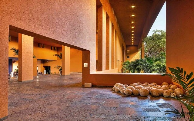 Hotel Las Brisas Ixtapa, lobby