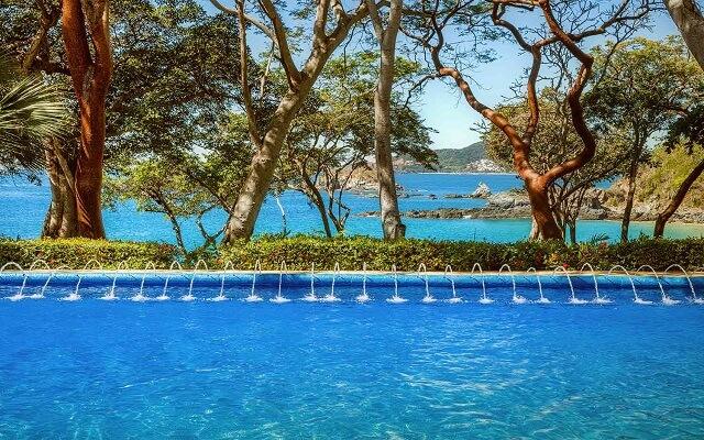 Hotel Las Brisas Ixtapa, disfruta de hermosas vistas desde la alberca