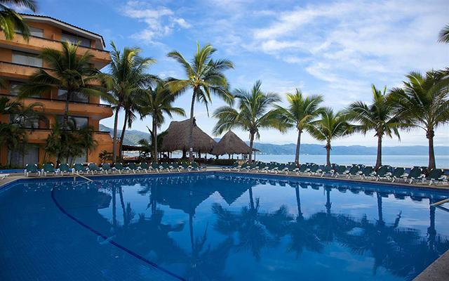 Las Palmas By The Sea All Inclusive, disfruta de su alberca al aire libre