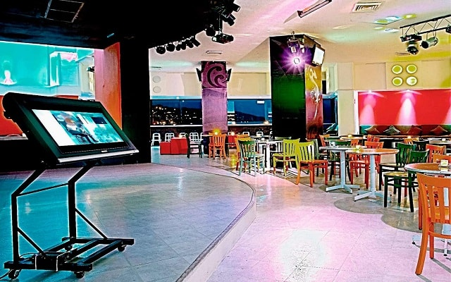 Hotel Las Torres Gemelas, Bar Sitric